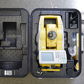 Topcon GPT-9005AC Total Station with FC200